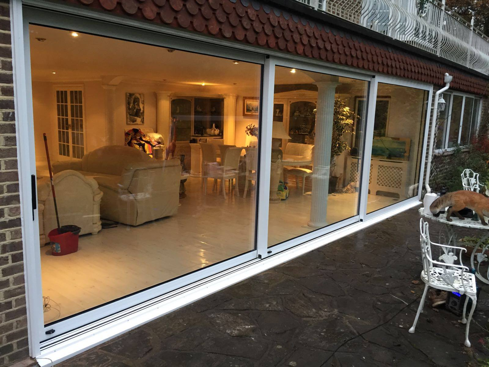 Aluminium patio doors sliding doors surrey for Backyard sliding door